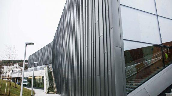 Sink-fasade kan bli årets bygg