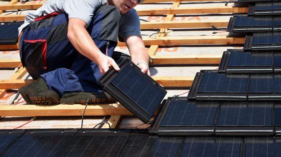 Tror solcelletak vil ta av fra 2020