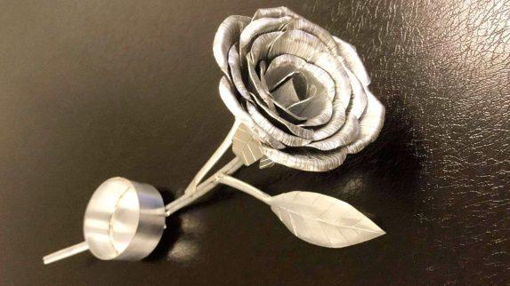 Lager roser til sitt eget bryllup