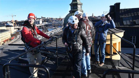 Luftig takvandring i Stockholm