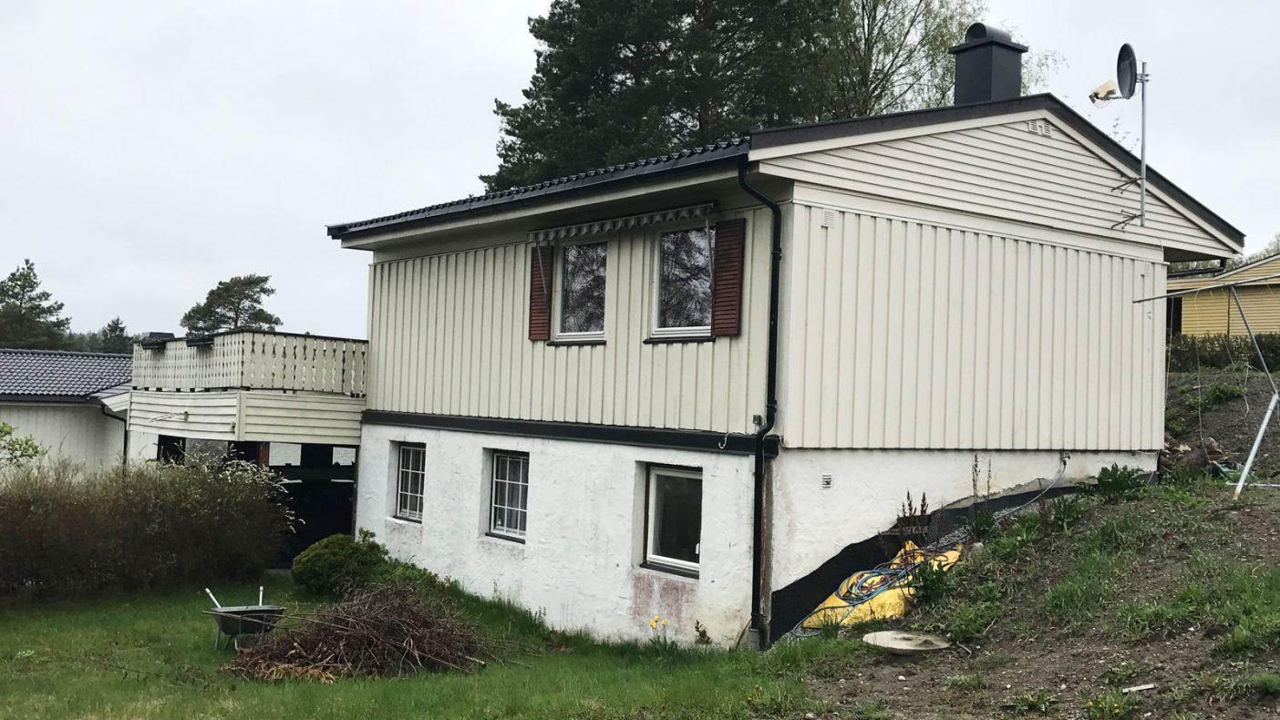 Slik så det gamle huset ut før elementene ble montert.