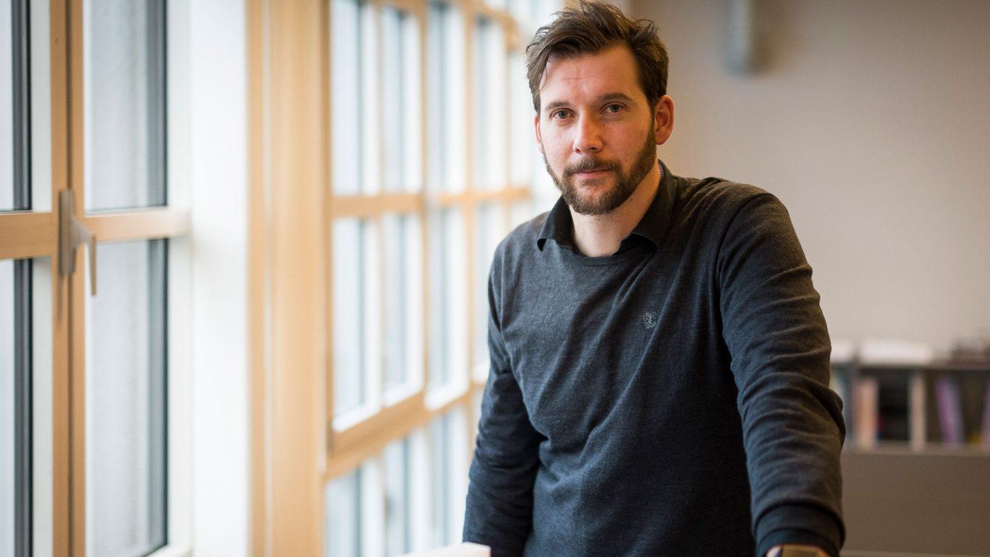 Arkitekt Arne Reisegg Myklestad ser nytt på utnyttelse av tak.