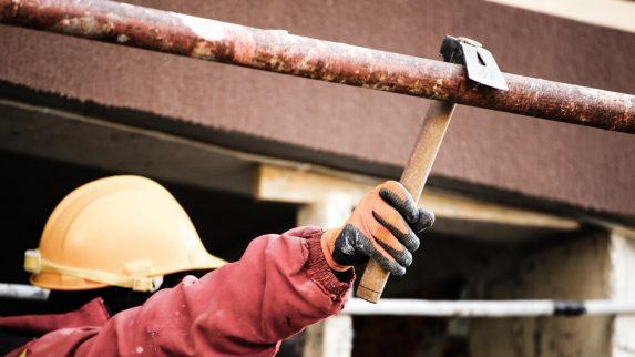 Krever mer tilsyn på byggeplasser