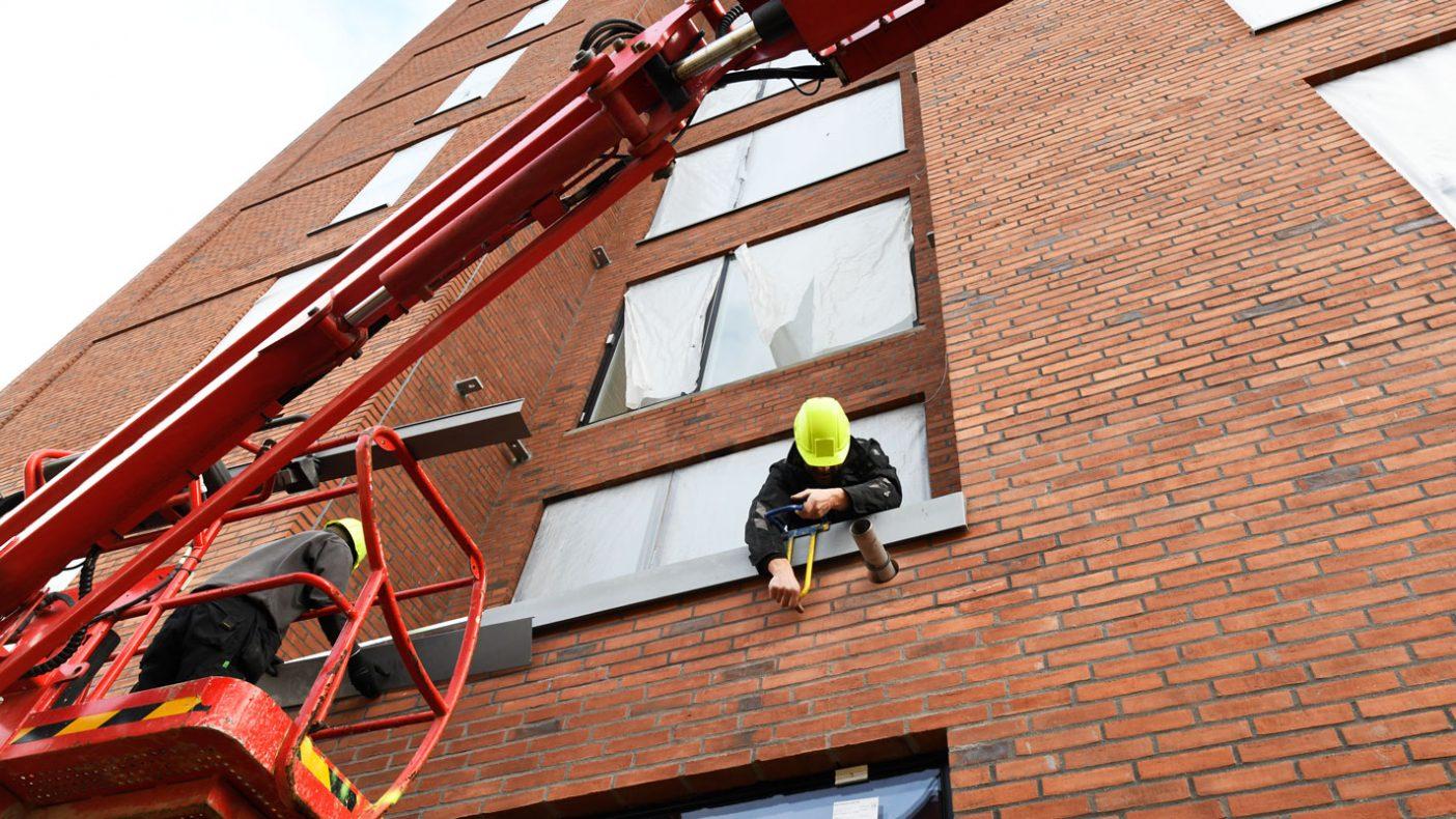 Svend Østergaard har omfattende arbeider på de nye studentboligene.
