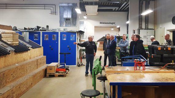 Sender lærlinger til Danmark for å lære