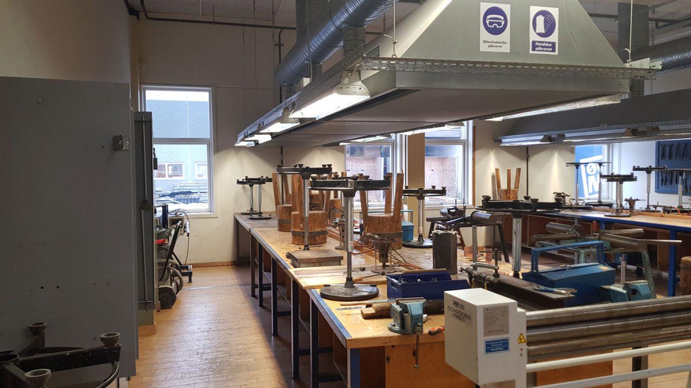 Gode arbeidsforhold møter elevene på Aalborg Techcollege som får besøk av norske lærlinger i april.