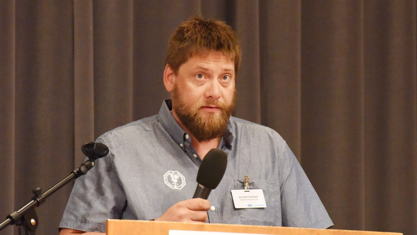 Kenneth Helliesen har som oldermann vært en pådriver for å få laget videoer som tar opp temaet arbeidslivskriminalitet.