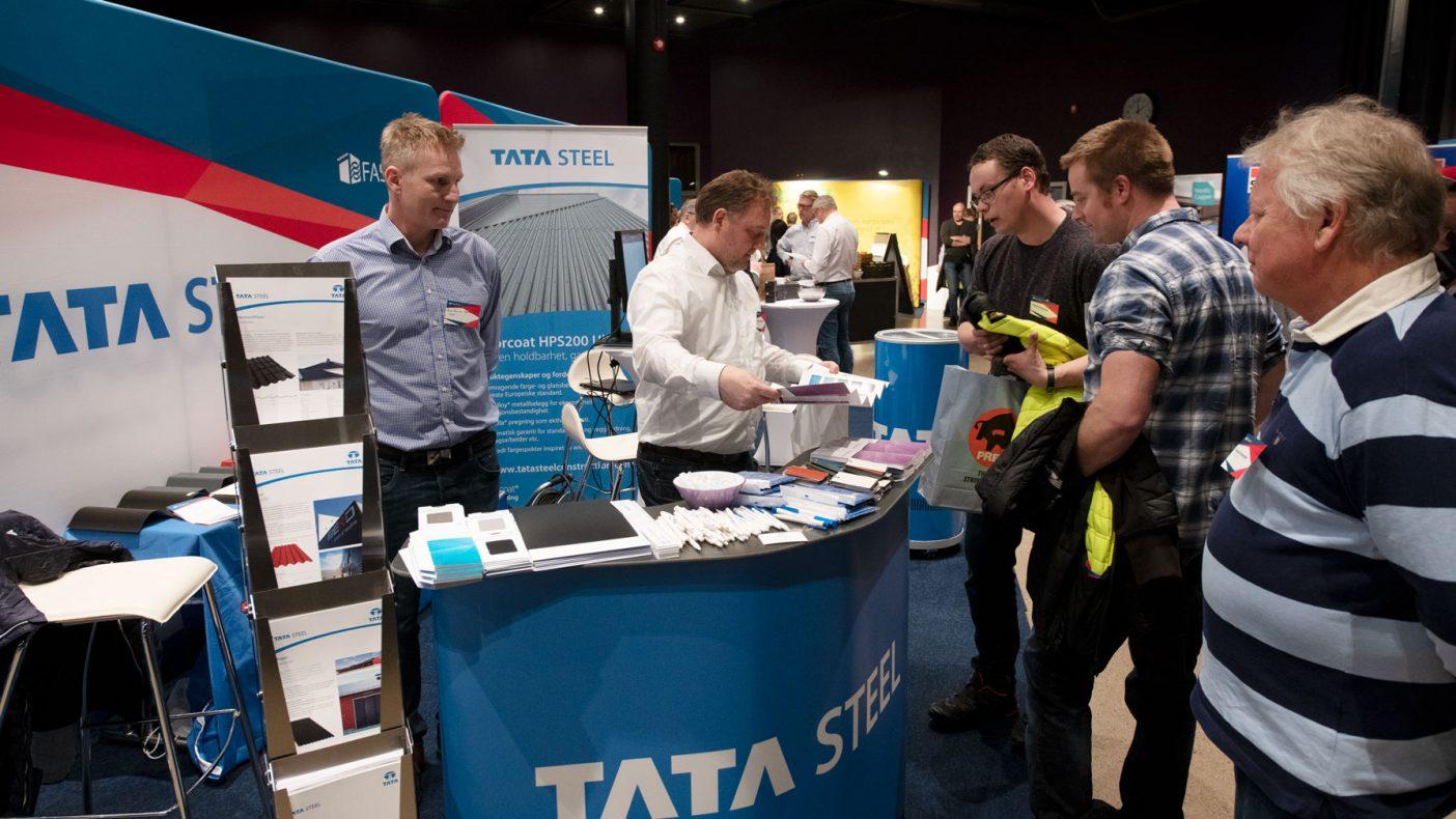 Foruten foredrag var det mange som oppsøkte de 28 utstillerne. Her fra standen til Tata Steel.