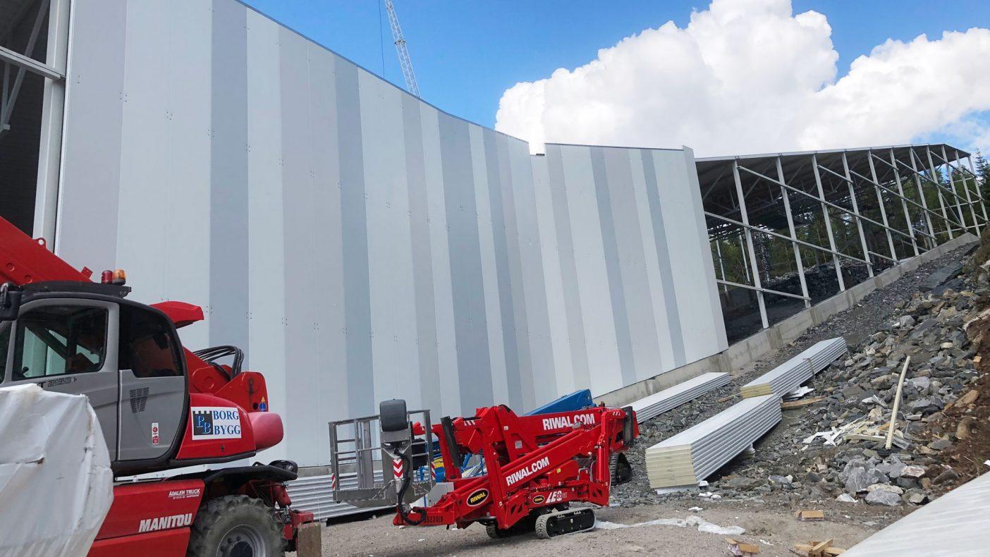 Omfattende arbeid med fasadene har Borg-Bygg jobbet med det siste året.