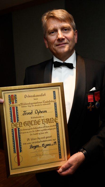 Trond Opheim fikk utdelt Den Gylne Hane for sitt langvarige arbeid for VBL.