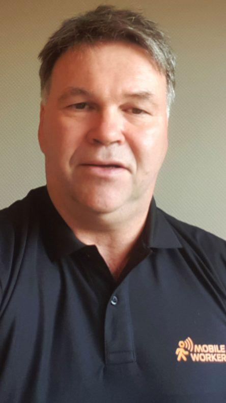 Geir Johansen mener det nye produkter sparer tid på byggeplassen.