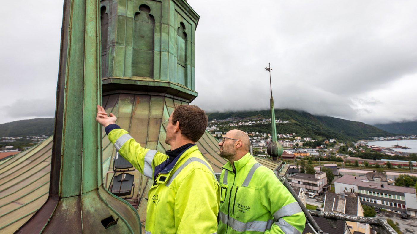 Avsløringen av tilstanden på spirene til Narvik kirke fører nå til at noe blir gjort.
