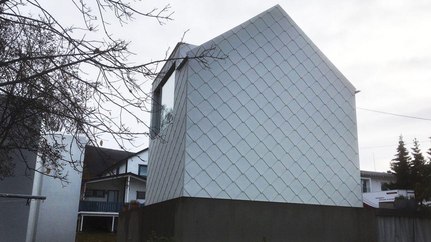 Ruter preger hele huset til arkitekten i Tromsø.