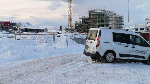 Snø skaper problemer, men ikke i nord