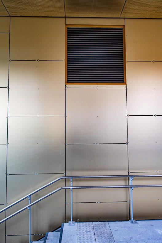 Rister måtte tilpasses til fasadekledningen.