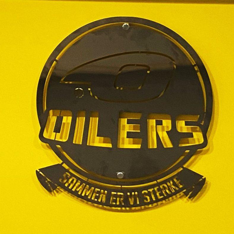 Skilt for Stavanger Oilers er også på gang.