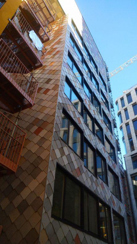 Alt på det nye bygget er bygd med brukte materialer.