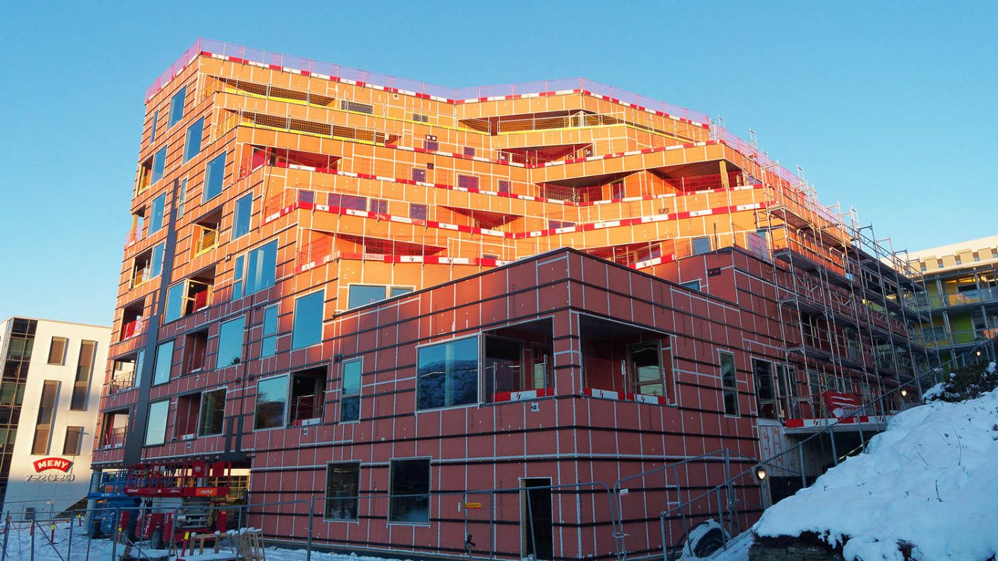 Bergen kommune vurderte å stenge alle større byggeplasser etter utbrudd av mutert koronavirus på denne byggeplassen på Fantoft.