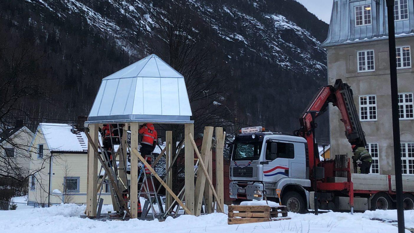 Sink på en paviljong ved Mannheimen i Rjukan er et av oppdragene for tiden.